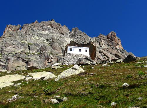 The old refuge du Couvercle