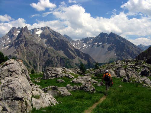 Hiking on Vallon des Houerts
