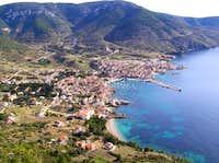 panorama of Komiza and Hum