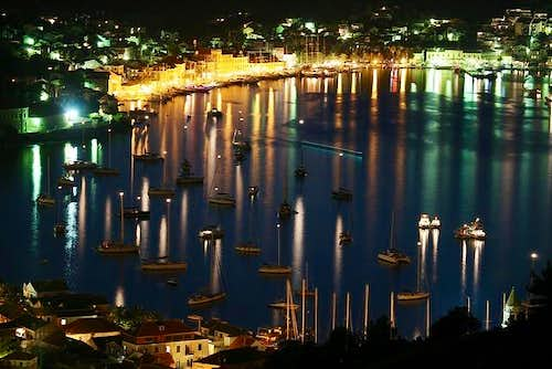Vis by night