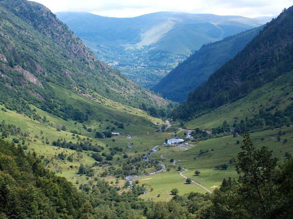 Granges d'Astau from the trail to Lac d'Ôo