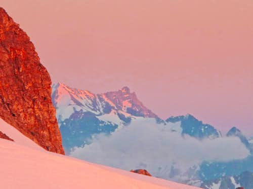 Alpenglow on Bonanza Peak