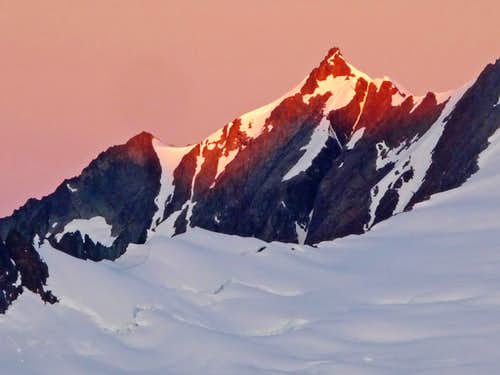 Sunrise on Sahale Mountain