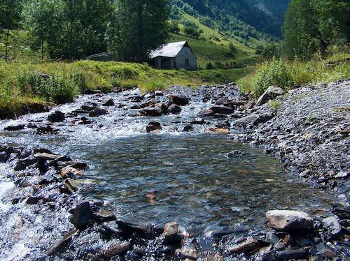 Dam on the Sarrouyès river