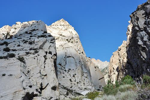 Cyanide Cliff and Pratt\'s Crack area
