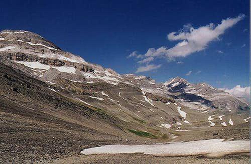 Monte Perdido and Picos de la...