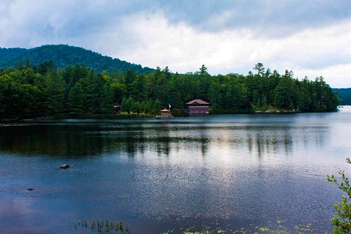 quintessential adirondack lake photos diagrams topos summitpost quintessential adirondack lake
