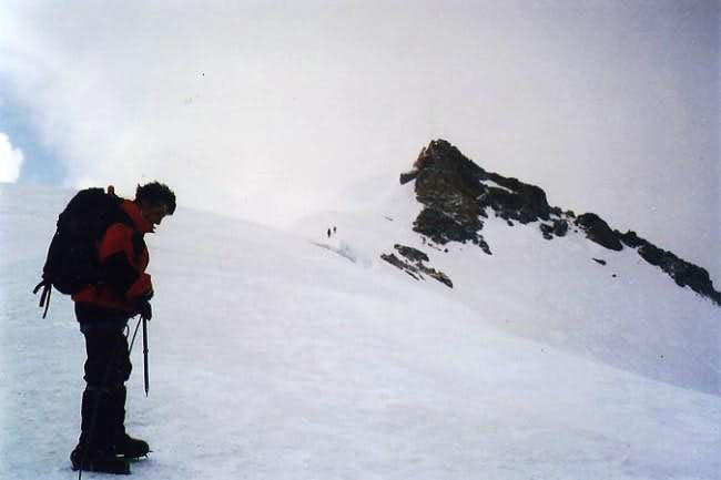 Last steps to summit in a bad...