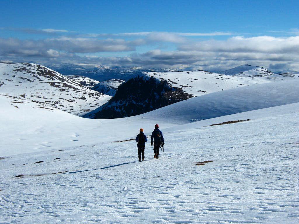 descending Coire Domhain
