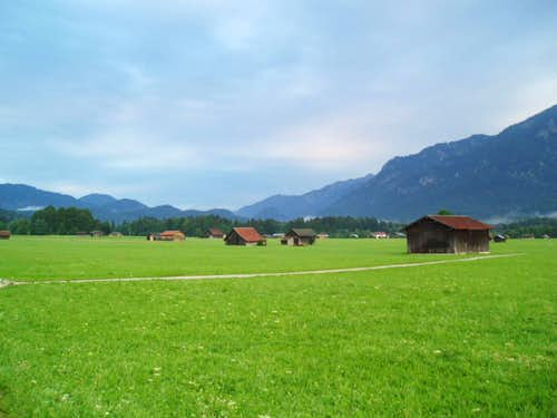 Huts on the fields towards Hamersbach