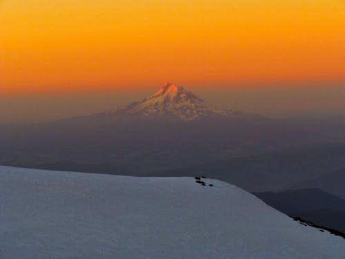 Alpenglow on Mt Hood
