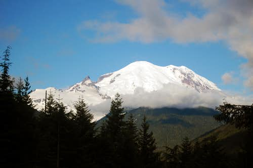 Mt Rainier seen near White River turnoff
