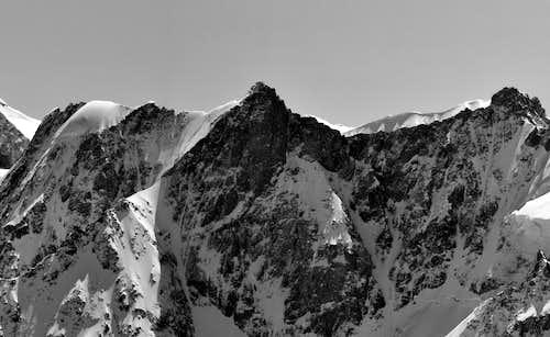 B&W Mountain Photo