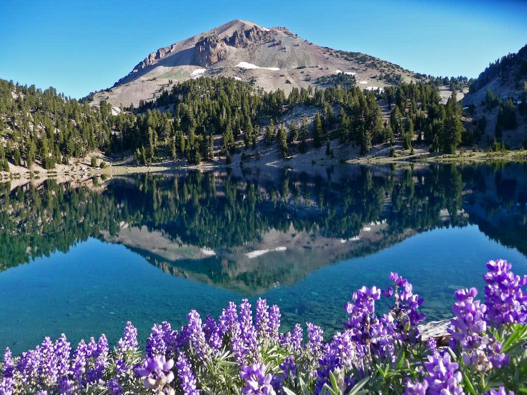 A Beautiful View Of Lassen Peak Photos Diagrams Topos
