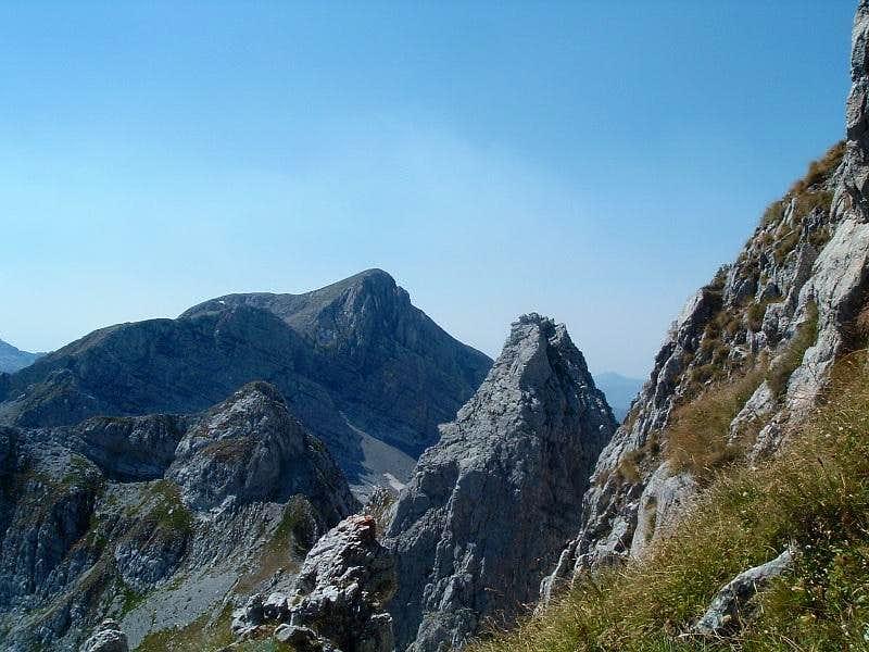Both summits of Maja Koprishtit
