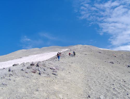 Last bit to the summit of Mt St Helens