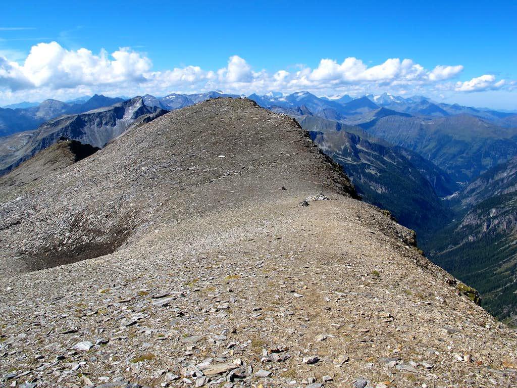 Going up Grauleitenspitze