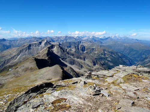 View to the west from the summit of Grauleitenspitze (2893m)