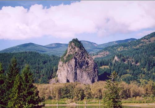 Beacon Rock from the Oregon...