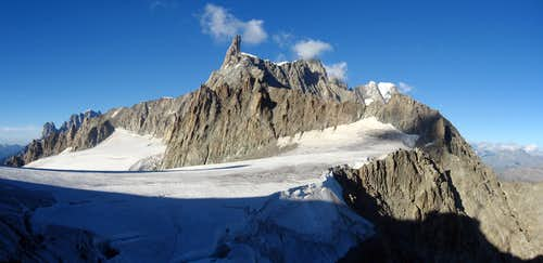 Dente del Gigante seen from refuge Torino