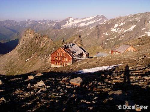 Defregger Haus (2963 m)