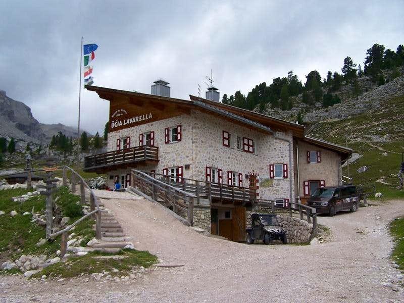 Rif. La Varella (2042 m.)