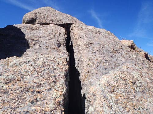 Crack to the summit of San Luis