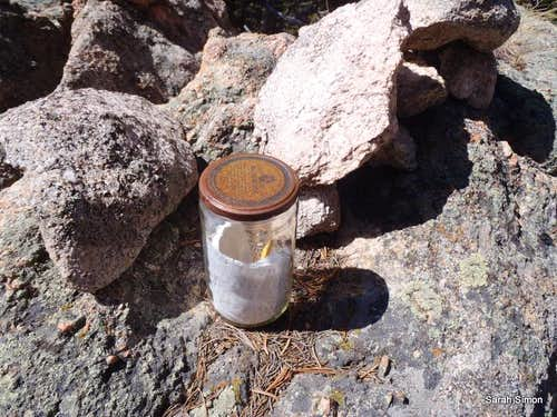 UN 11053 summit jar