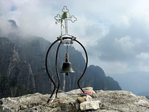 Campanile di Val Fontana d'Oro summit bell