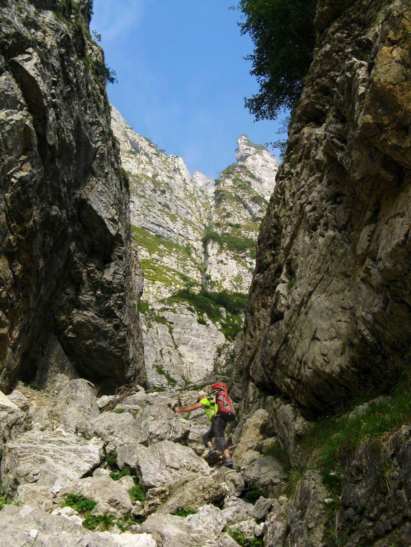 Campanile di Val Fontana d'Oro approach gully