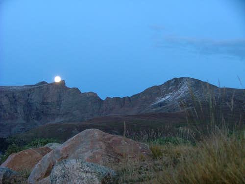 Full moon over Sawtooth and Bierstadt.