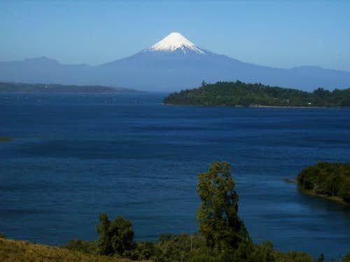 Volcan Osorno from the shores of lago Llanquihue