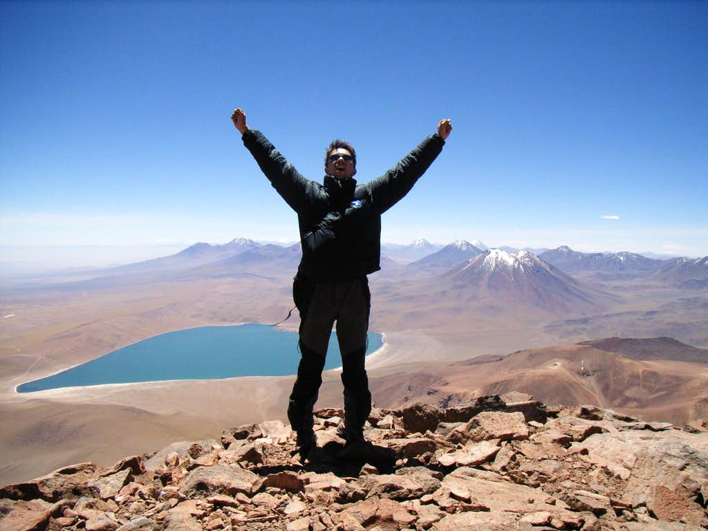 On the (secondary) summit of cerro Miniques (Chile)