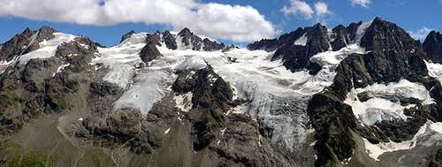 Gran Paradiso group: view of the ridge between Valnontey and Valeille