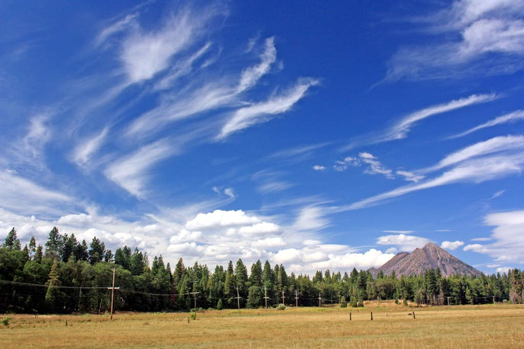 Cirrus clouds and Black Butte