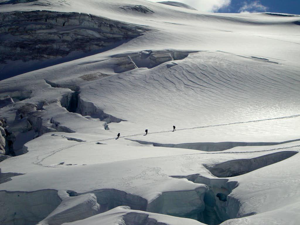 Ascending to Robson-Resplendid Col