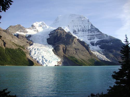 100001 picture of Mount Robson from Berg Lake