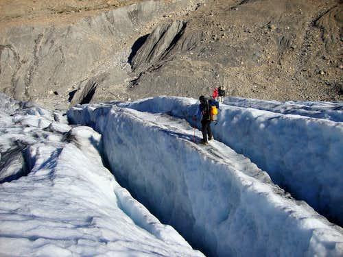 Lower glaciers crevasse maze