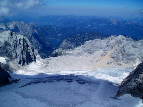 Looking down on the Grosse Gosauggletscher