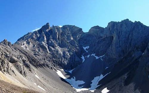 Tombstone Mountain (North)