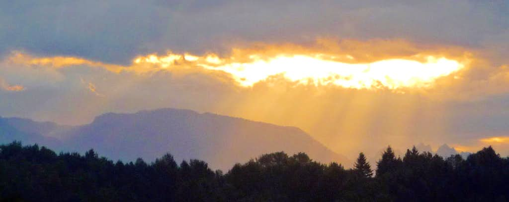 Sun Beams over Mount Zekes