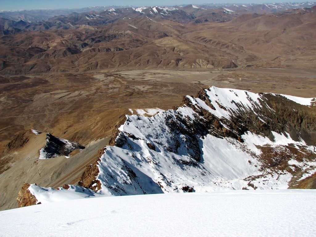 Reaching the summit ridge of Jitan Zhoma