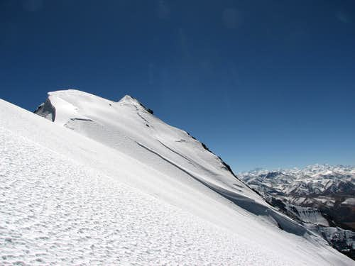 Reaching the summit ridge of Jitan Zhoma