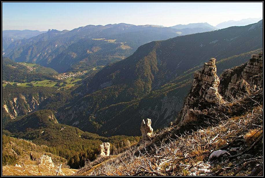On the SE slope of Becco di Filadonna