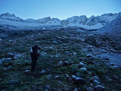 Hiking towards Sahale