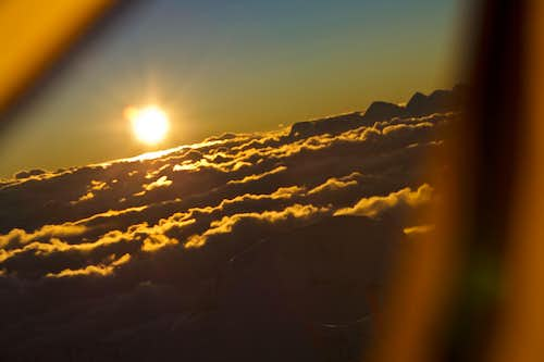 Cho Oyu - Above the clouds Sunset