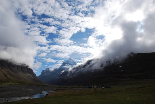 Camping at Tarboche, Tibet (2011-06-16)