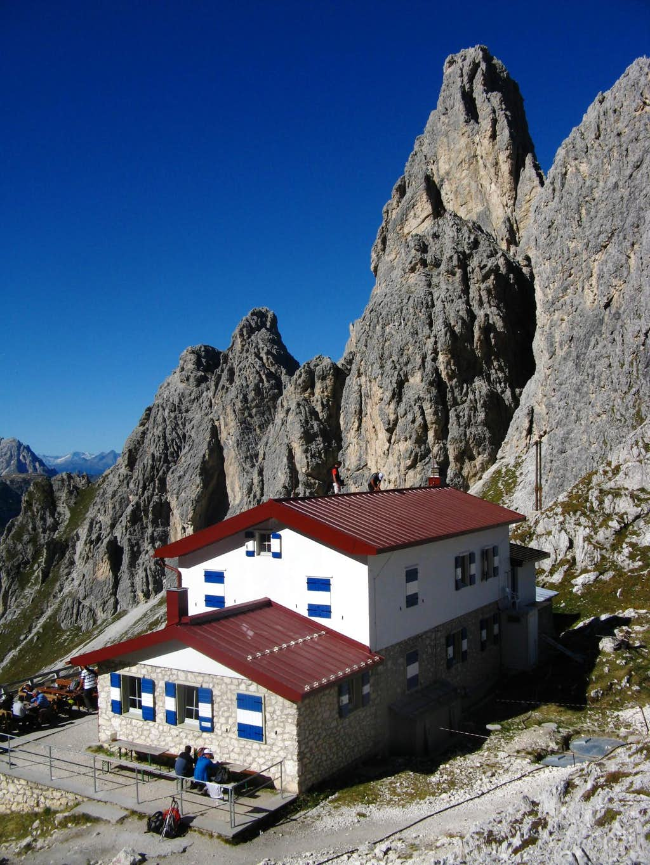 Torre Wundt and Fonda-Savio Hut
