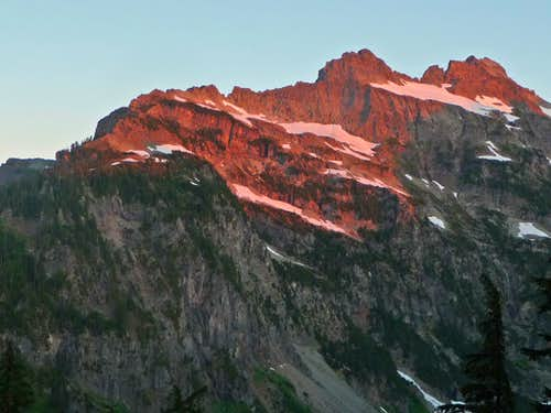 Alpenglow on Columbia Peak