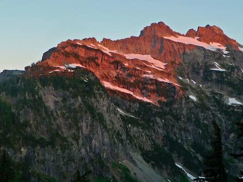 Alpenglow on Columbia Peak